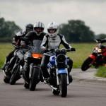 Initiation pilotage moto sur circuit